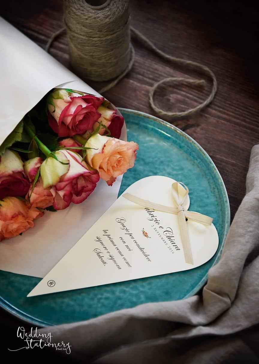 cuori e nastri partecipazioni per matrimonio